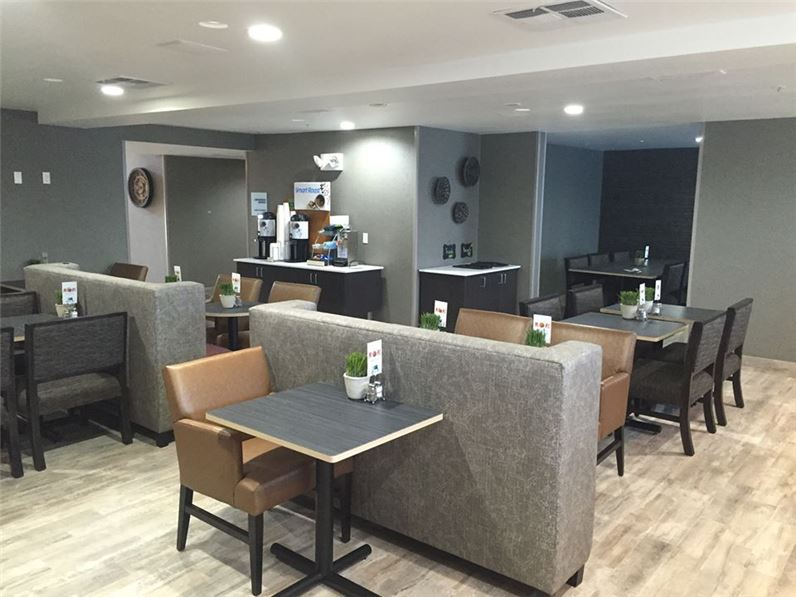 Holiday Inn Express & Suites Paso Robles - Paso Robles, CA