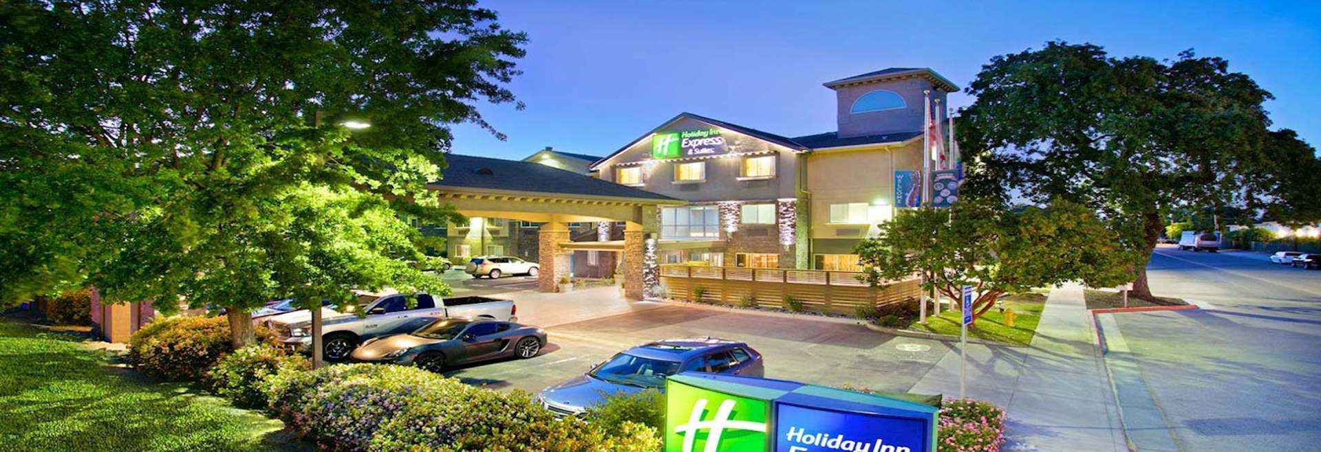 Hotel Exterior - Holiday Inn Express & Suites Paso Robles