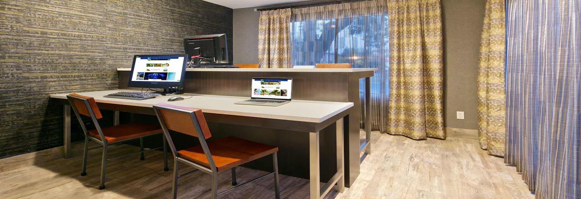 Holiday Inn Express Hotel & Suites - Paso Robles Services at California