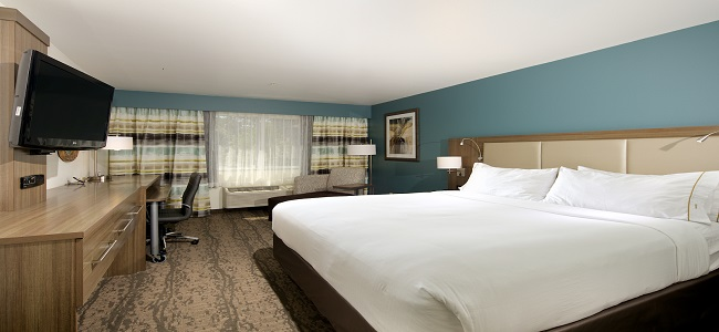 Guestrooms at Holiday Inn Express Hotel & Suites - Paso Robles